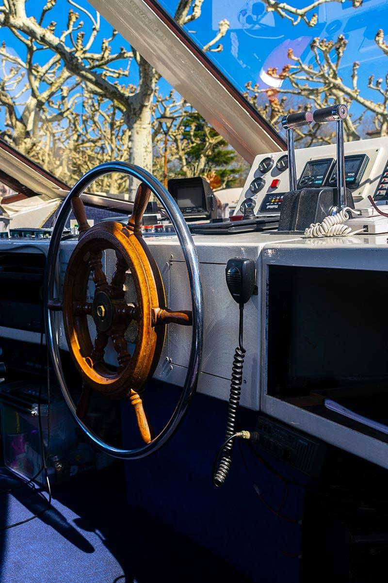 Cabine de pilotage d'un bateau